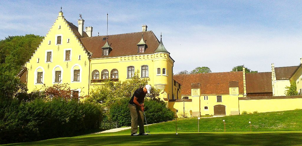 Klingenburg, from south to north – der Natürliche: Golfclub Schloss Klingenburg, Golfsport.News